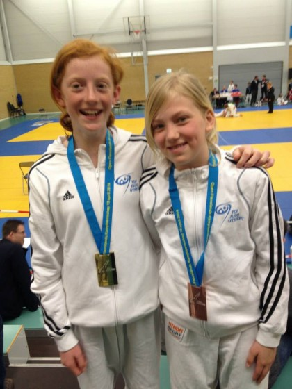Talitha vd Korput (links) wint goud, Georgie Ligthart winy brons