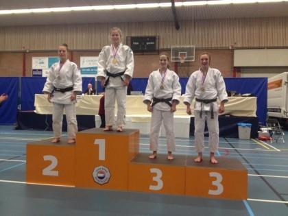 Jill Bontrop wint brons op NK-21
